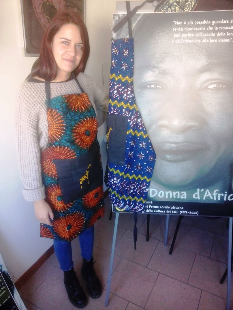 http://regali.lafricachiama.org/image/data/foto/grembiule_stoffa_africana_kitenge.jpg